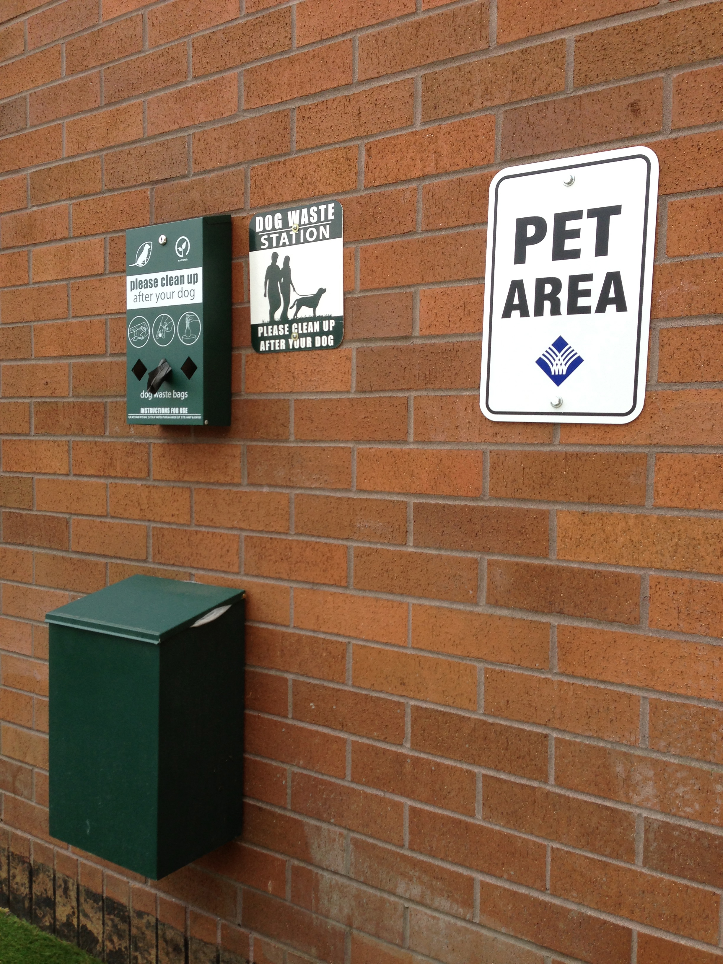 Portlandish: Dog Rest Areas at the Mall